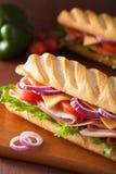 长的长方形宝石三明治用火腿乳酪蕃茄莴苣 库存图片