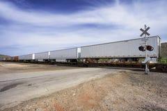 长的货物火车 库存图片