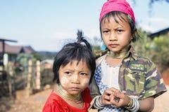 长脖子孩子,缅甸 免版税库存图片