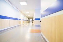 长走廊的医院 库存照片