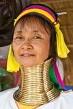 长颈鹿长的脖子纵向妇女 免版税库存图片