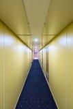 长,狭窄的走廊 库存照片