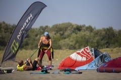 长滩的图片在kitesurfers黑山会议03- 图库摄影