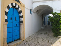 门。摩尔人样式。Sidi Bou说。突尼斯 免版税库存照片