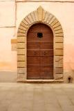 门入口涉及的前面家 图库摄影