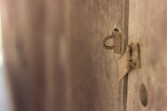 门关闭和打开并且穿上` t锁门 免版税库存图片