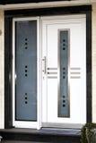 门前现代 免版税库存照片