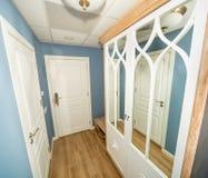 门厅在一间标准屋子在一家五星旅馆里在Kranevo,保加利亚 免版税库存照片