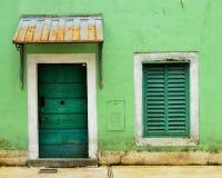 门和窗口对称 免版税库存图片