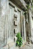 门在古城Beng Mealea 免版税库存照片