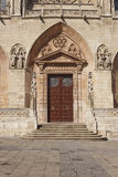 门在布尔戈斯、卡斯提尔和利昂,西班牙大教堂里  免版税库存图片