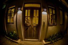 门在晚上 免版税库存图片