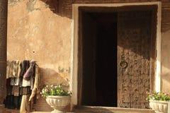 门在Ichan Kala在Khiva市,乌兹别克斯坦 库存照片
