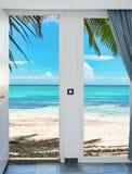门开放棕榈滩加勒比海多米尼加共和国 库存照片