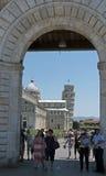 门意大利倾斜的纪念碑耸立的比萨 免版税库存图片