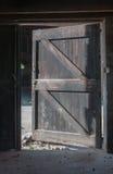 门户开放主义在一个被忽略的谷仓 免版税库存照片