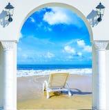 门户开放主义的沙滩伞 免版税库存照片