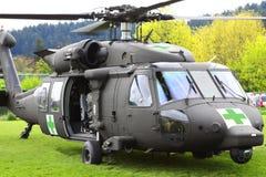 门户开放主义Blackhawk直升机医疗的撤离  免版税图库摄影