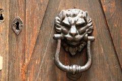 门敲门人 免版税库存照片