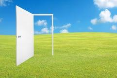 门新对空白世界 免版税库存图片