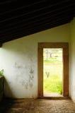门框废墟太阳射线 库存照片