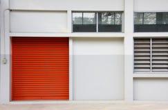 门橙色墙壁白色 库存照片