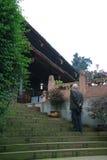 门特les行军(monastère Baoguo - mont峨眉-脊椎) 免版税库存图片