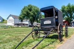 门诺派中的严紧派的儿童车在兰开斯特县, PA,美国 免版税库存图片