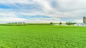 门诺派中的严紧派的国家农厂谷仓领域农业在兰卡斯特, PA 免版税库存图片