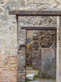门道入口在庞贝城 库存照片