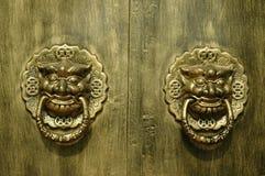 门道入口龙狮子 免版税库存照片