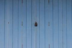 门锁着木 免版税库存图片