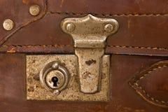 门闩老手提箱 免版税库存照片