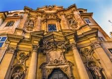 门面圣玛丽亚马达莱纳半岛教会罗马意大利外 免版税库存图片