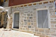 门面在Ermoupolis锡罗斯岛,希腊 图库摄影
