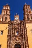 门面雕象Parroquia大教堂德洛丽丝Hidalalgo墨西哥 免版税图库摄影