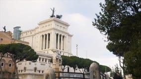 门面-一个难以置信和现代大厦看法在巴塞罗那,西班牙 股票 一种难以置信的吸引力在西班牙 免版税库存照片