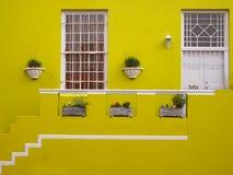门廊 房子的前面门面 免版税库存照片