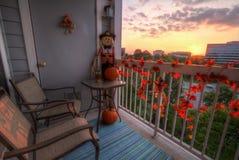 从门廊的秋天日落 图库摄影