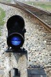 闪亮指示点铁路信号 免版税库存照片