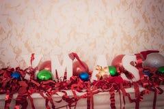 闪亮金属片 圣诞节装饰装饰新家庭想法 免版税库存照片
