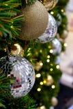 闪烁圣诞节球 免版税图库摄影
