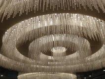 闪烁的枝形吊灯 免版税图库摄影