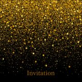 闪烁金子纹理以心脏的形式在黑背景 背景上色节假日红色黄色 金黄粒状抽象纹理 向量例证
