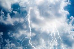 闪电和雷大胆的罢工 库存图片