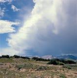 闪电风暴滚动在犹特人足迹的,洛矶山国家公园,科罗拉多 免版税库存图片