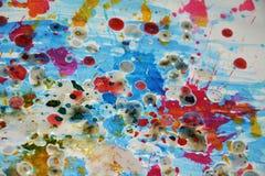 闪耀的银色桃红色水彩飞溅,绘抽象创造性的背景 免版税库存图片