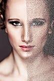闭合值的坚韧表面女孩被修饰的纺织&# 免版税图库摄影