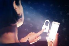 闭合的锁定 概念范围挂锁安全 库存照片