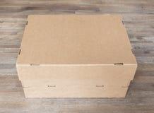 闭合的cartboard箱子 库存照片